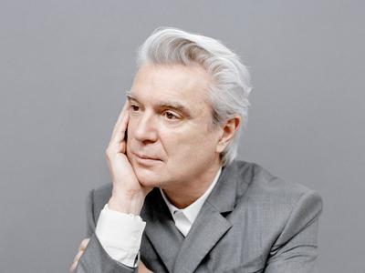 David Byrne ist mal wieder solo unterwegs. Foto: facebook.com/DBtodomundo