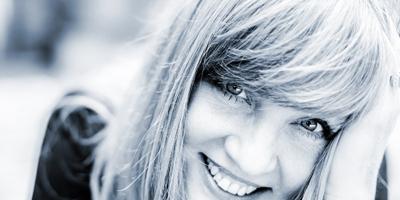 Christina Lux besingt Leise Bilder. (c) Sebastian Niehoff