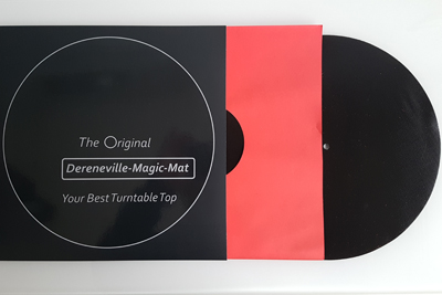Die Dereneville Magic-Mat kommt verpackt wie eine Schallplatte. (c) dervinylist.com