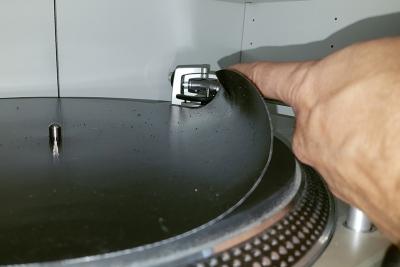 Die Magic-Mat ist nur 0,38 mm dick. (c) dervinylist.com