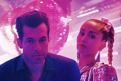 Mark Ronson und Miley Cyrus. (c) Benoit Debie