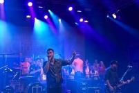 Revolverheld mit dem Chor NEUE GENERATION (c) dervinylist.com