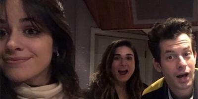 Für seine neue Single holt sich Mark Ronson Camila Cabello ins Studio. (c) Mark Ronson@Twitter