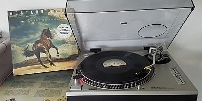 WESTERN STARS von Bruce Springsteen auf dem Plattenteller. (c) Der Vinylist