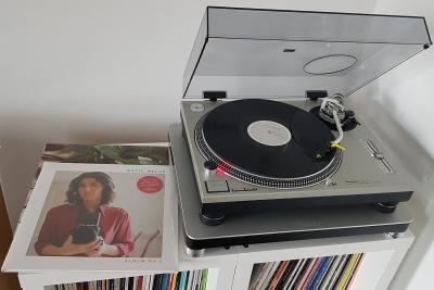 Album No.8 von Katie Melua auf dem Plattenteller. (c) Der Vinylist